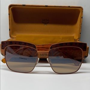 BNIB Never Worn Vintage style MCM 102sHavana Brown